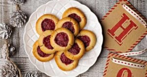 SIBO friendly strawberry shortbread cookies